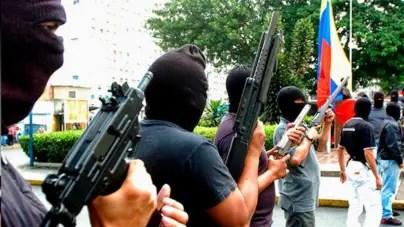 """Policía vs. bandas criminales en Venezuela: la """"guerra"""" que empezó Chávez"""