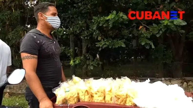 Régimen multa a un vendedor ambulante con discapacidad por tomar un descanso