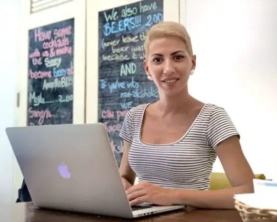 Emprendedora en Cuba exige solución a situación del sector privado