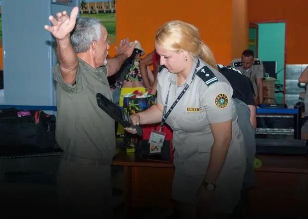 Venden a trabajadores del Gobierno de La Habana artículos confiscados por la Aduana