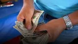 El dólar aumenta su valor, pero muy lentamente