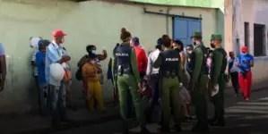 Centro Habana: mucha gente, poca comida y más pacientes positivos