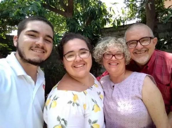 """""""Conversando contigo"""": un acercamiento necesario a la familia cubana"""