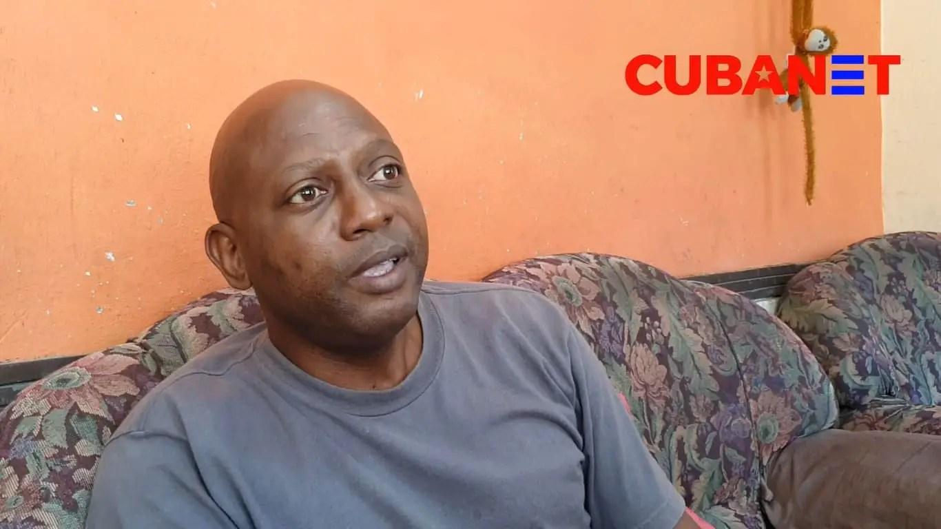 Adrián Curuneaux Stivens, MONR, represión en Cuba
