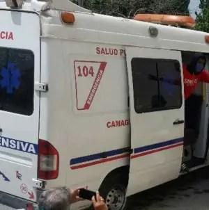 Pacientes de COVID-19 llevan más de tres días esperando por una ambulancia
