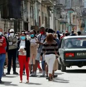 Cuba registra cinco muertes y 914 casos de COVID-19