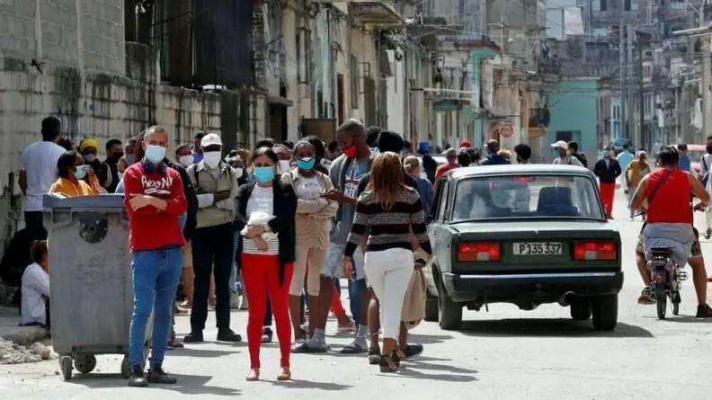 Cuba supera los 5.500 casos activos de la COVID-19