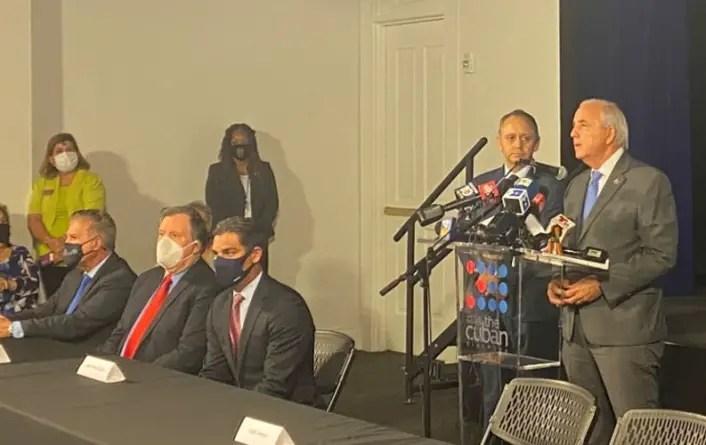 Cubanoamericanos pide a Biden mantener sanciones contra régimen castrista
