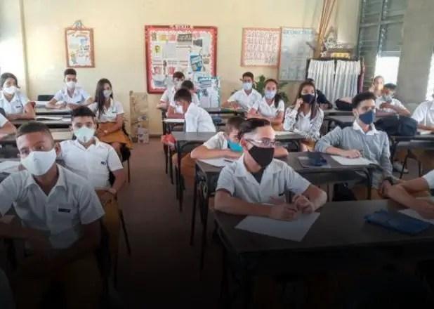 Exigen a adolescentes en Sancti Spíritus compartir datos de sus redes sociales