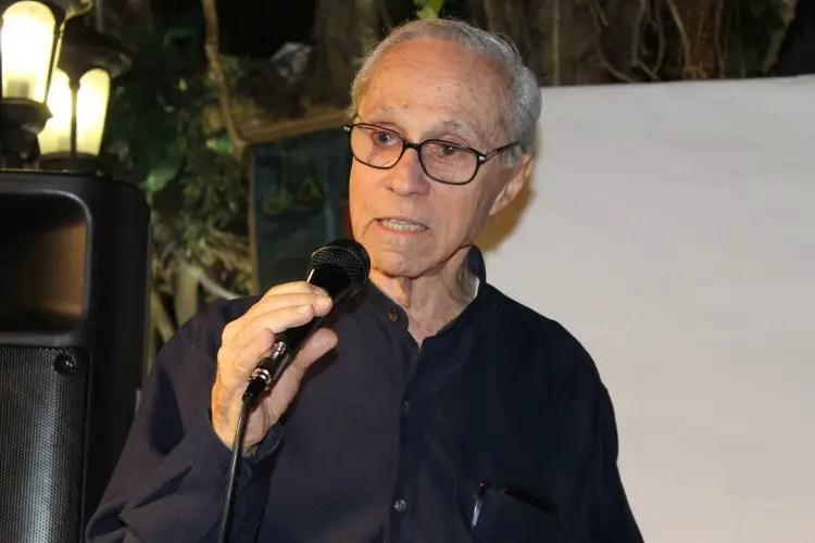 poeta Ángel Cuadra