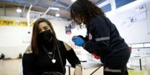 Israel encabeza listas mundiales de vacunación; Cuba ni aparece