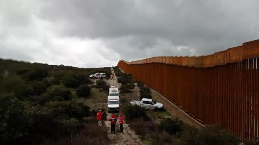 Cubano, México, Muro fronterizo