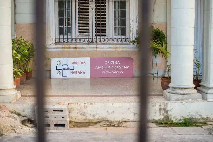 Cáritas, Cuba, Iglesia