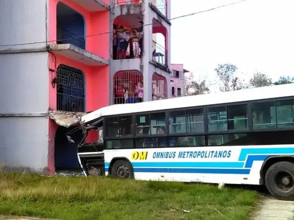Dos muertos y varios heridos por accidente de tránsito en La Habana