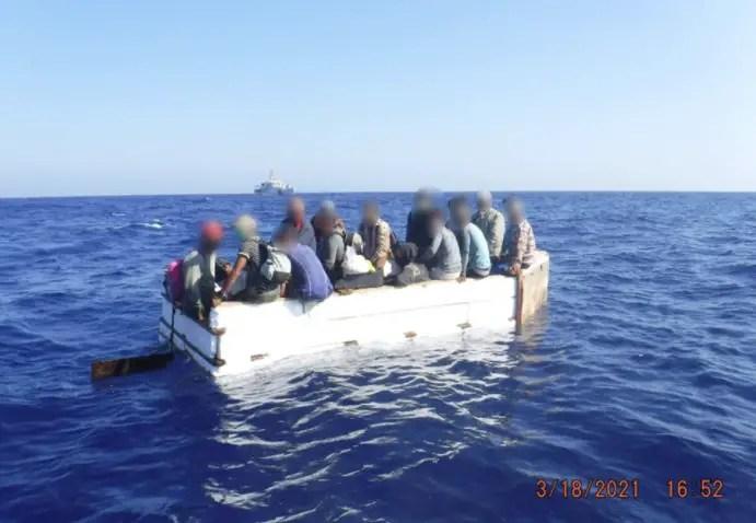 cubanos balseros Guardia Costera