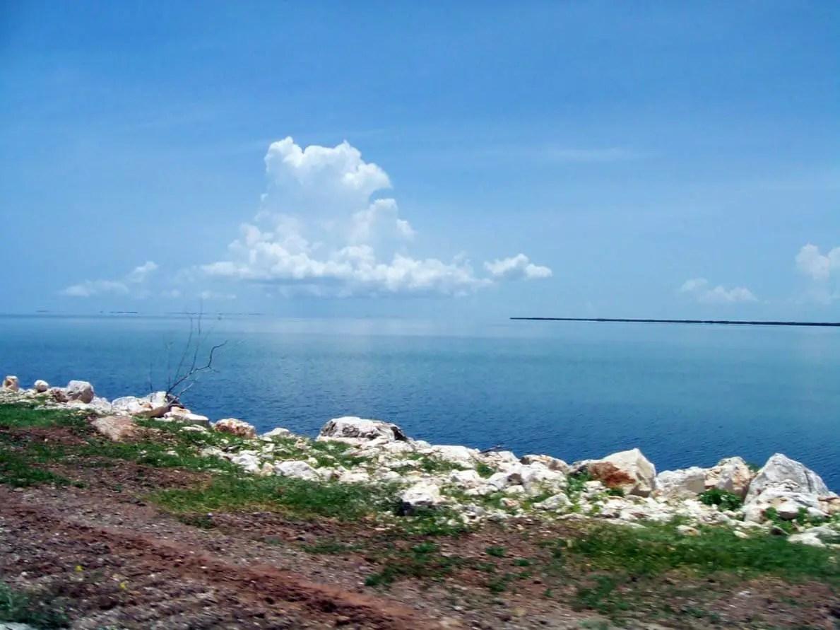 Cayería norte, Cayo Coco, Cayo Guillermo, Medioambiente, Pedraplén, Turismo, Cuba
