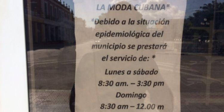 Horarios reducidos en centros de trabajo de Holguín. Foto de autor