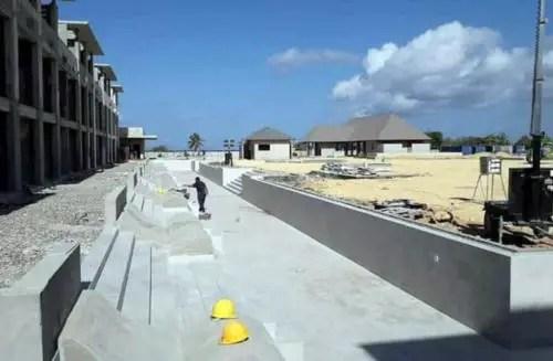 Ejecucion del enchape de las piscinas. Abril de 2021. Foto AEI Trinidad