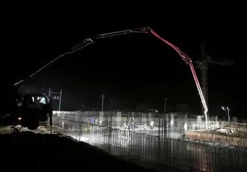 Los trabajos no se detienen. Fundición de las cisternas del Meliá Trinidad (Foto: AEI Trinidad)