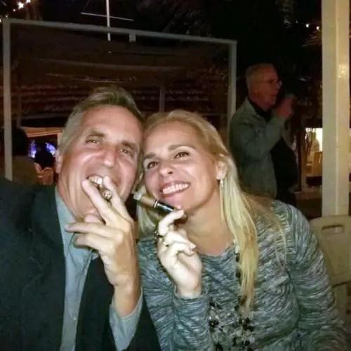Marietta Calis y su actual esposo