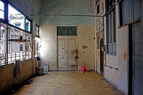 Pasillo de Palacio de las Ursulinas, convertido en cuartería. Foto P. Chang (1)