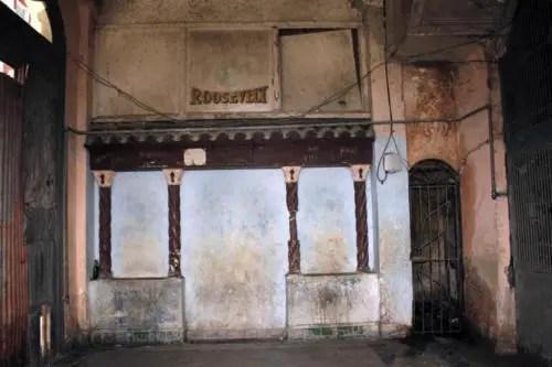 Ruinas del antiguo hotel Roosevelt. Hoy cuartería. Foto cortesía YAR