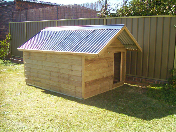 dog kennel 2.4m x 1.8m, gable roof $905