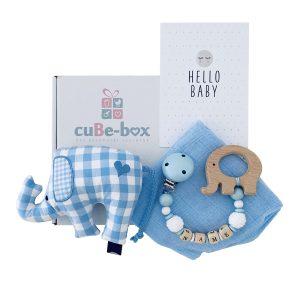 personalisiertes babygeschenk junge elefantenrassel