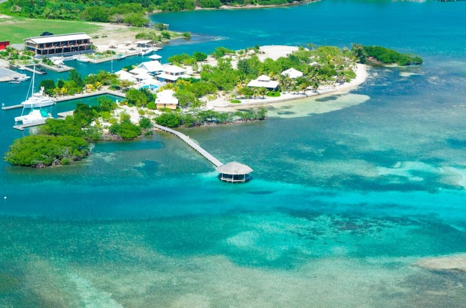 Roatan Review: Barefoot Cay & Barefoot Divers
