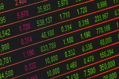 【楽天証券】iDeCo の運営管理手数料を誰でも 1 年間 0 円に! 残高 10 万円以上であれば、1 年後もずーっと 0 円になる!