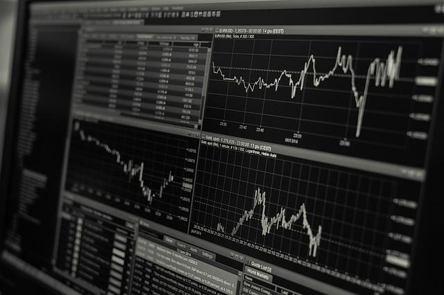 本当に米国株式市場だけでいいの?分散投資を忘れた投資家が急増中。今回は違う!が投資の世界では命取りになるのでは?