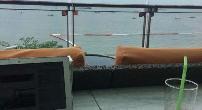 パタヤビーチ目の前にある最高なロケーションのあるホテル「セレノテル パタヤ (Serenotel Pattaya)」のレビュー