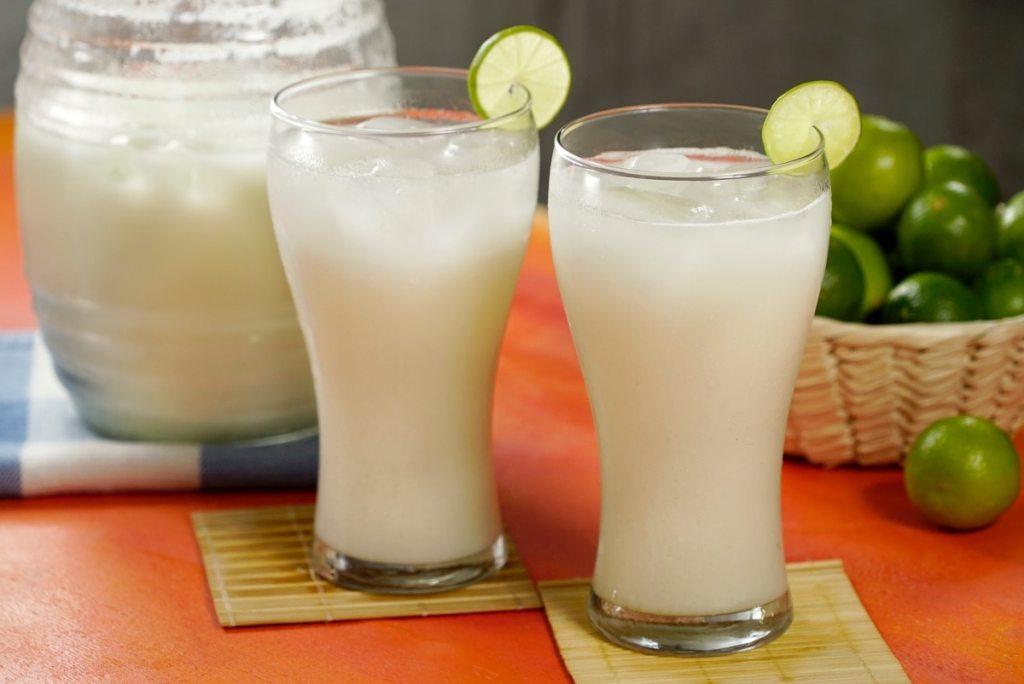 Agua de limón sevillano bebidas tipicas de puebla
