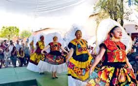 Trajes Típicos de Tehuana Zapoteca del Istmo de Tehuantepec