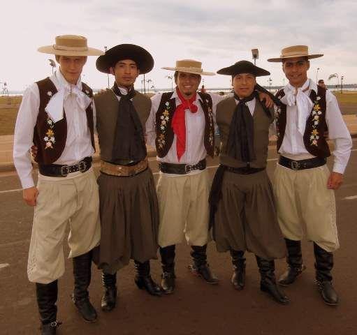 Traje típico de argentina de hombres Gaucho