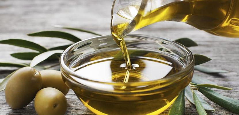 Los aceites vegetales para quitar el maquillaje y cuidar la piel