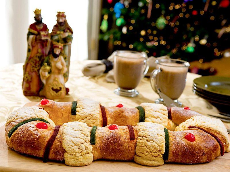 rosca de reyes celebracion de navidad mexico