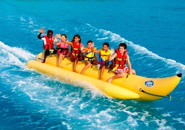 banana fun playa gaviota azul cancun