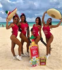 entrada a la playa gaviota azul cancun