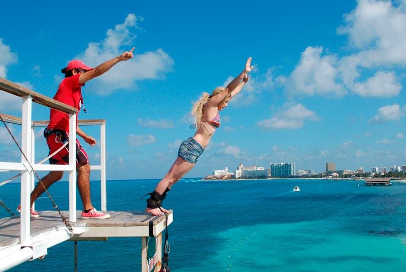 Bungee jump de Playa Tortuga actividad cancun