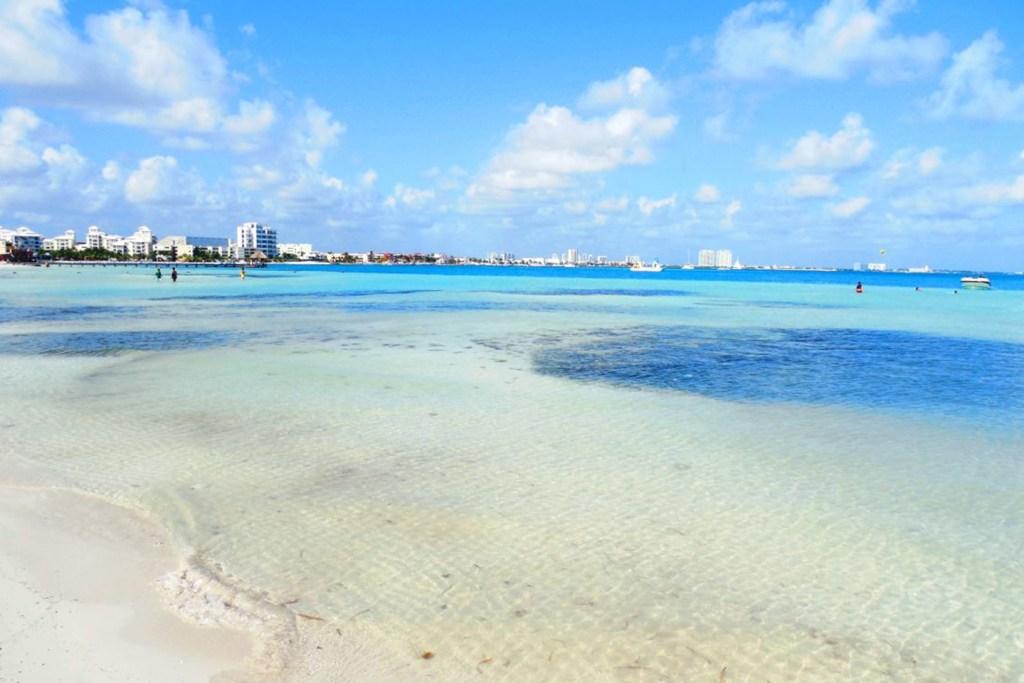playa langostas playas de cancun