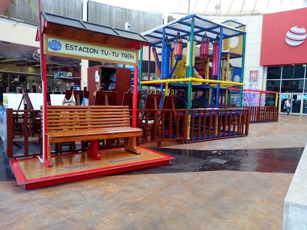plazas outlet cancun zona para niños