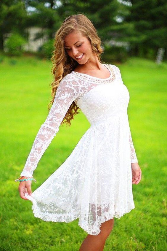 Vestido de novia corto de encaje y sencillos