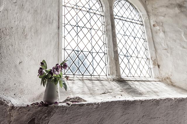 南仏・プロヴァンススタイルとカーテン プロヴァンス 壁 床 テラコッタ 塗り壁 無垢材