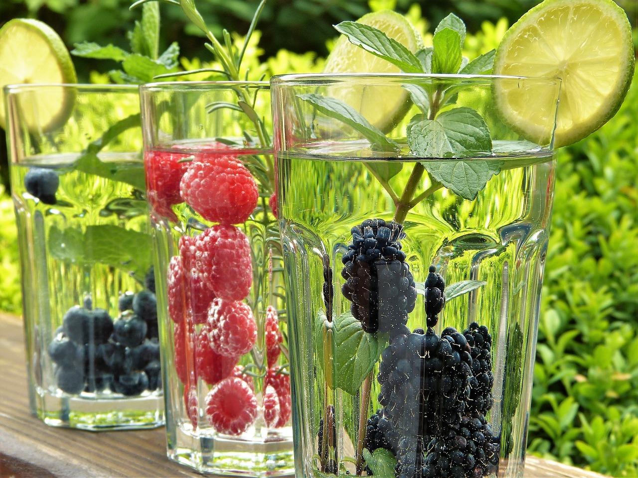 red fruit mint detox wtaer