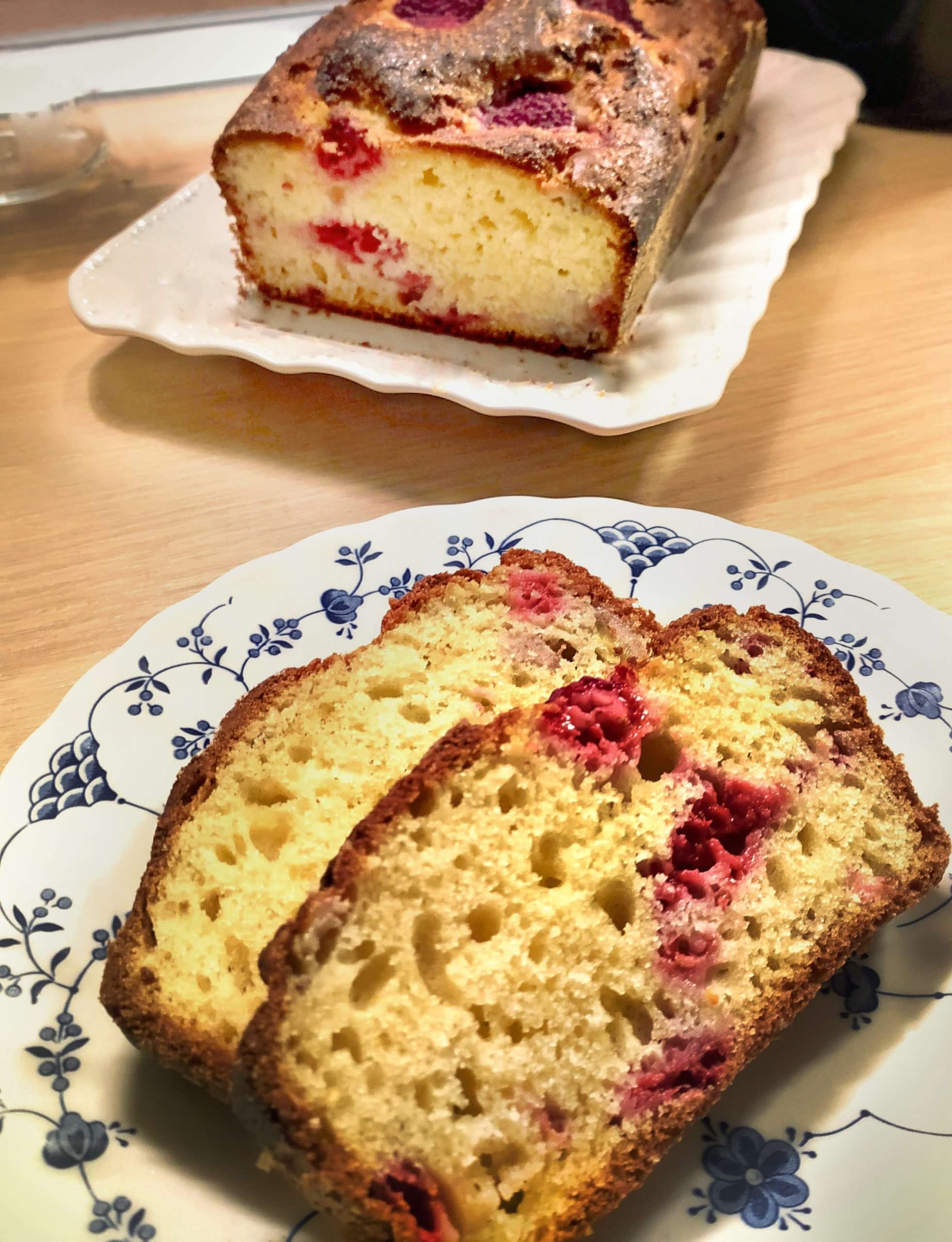 butter-free raspberry yogurt plumcake