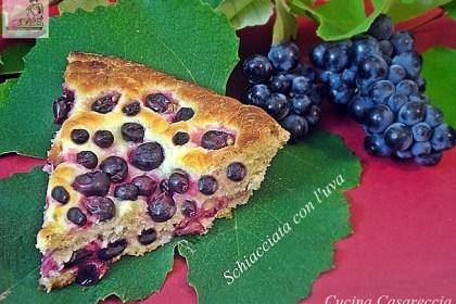 Schiacciata con l'uva ricetta toscana