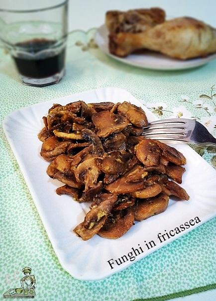 Funghi in fricassea facile veloce vegetariana