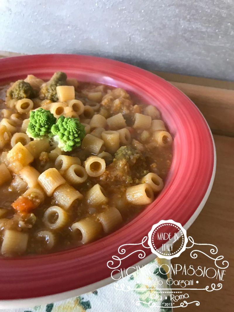 minestra di broccoli romani Minestra di broccoli romani Minestra di broccoli romani