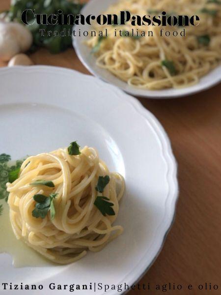 spaghetti aglio e olio Spaghetti aglio e olio Pasta aglio e olio